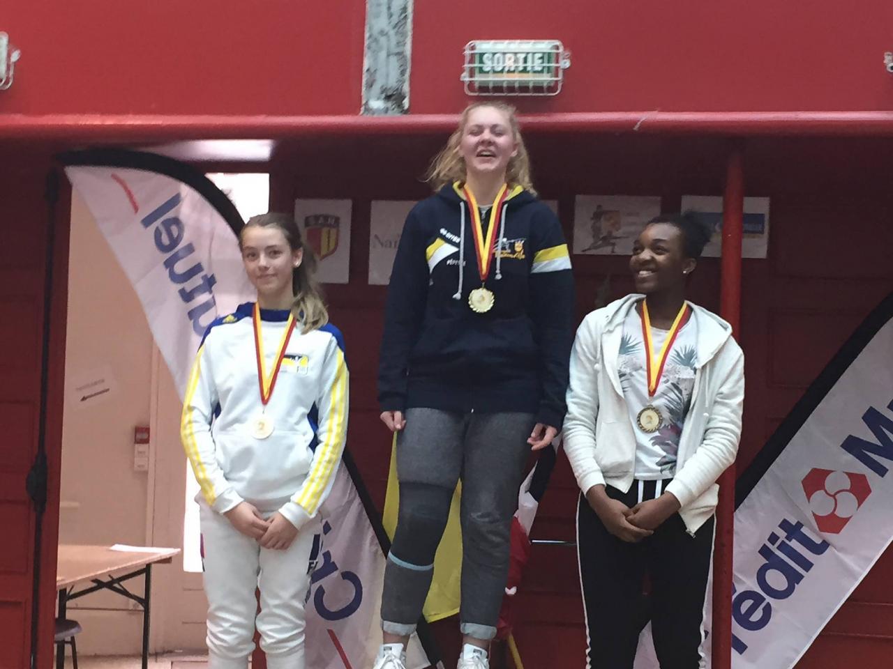 Le podium - cadettes (Aurélie 1ère - Lorina 3ème)